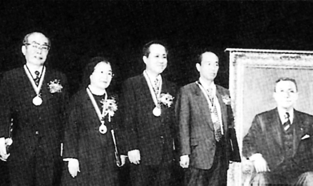 Chairman Huh, Chin Kyu received the 10th Inchon award (Industrial Technology field)